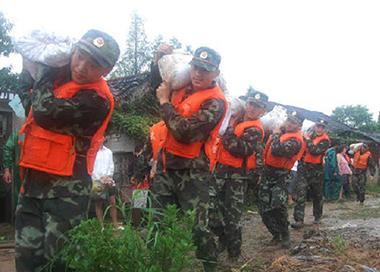 防汛进行时:雨情就是命令 排水就是战场