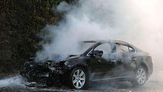轿车自燃焚毁
