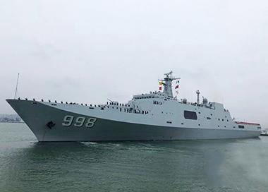 中国海军第31批护航编队启航