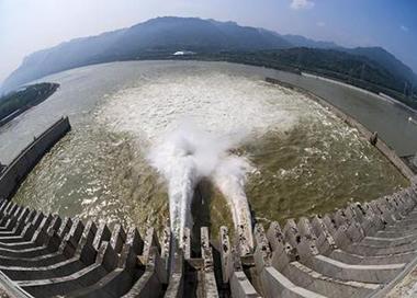 三峡迎来首个3万立方米洪水过程