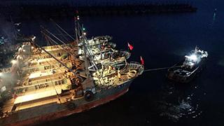 沿海各地渔船出海捕捞