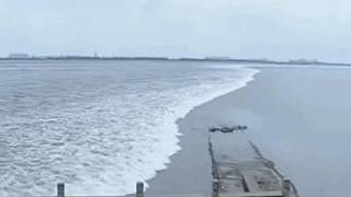 浙江:潮水大坝正面交锋